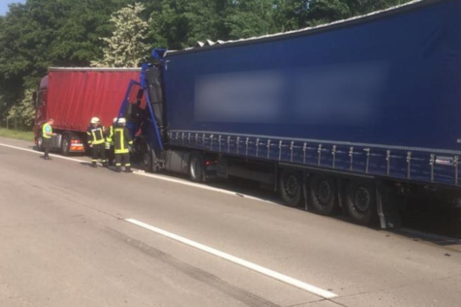 Rund 90.000 Euro Sachschaden entstanden bei dem Unfall auf der A2.