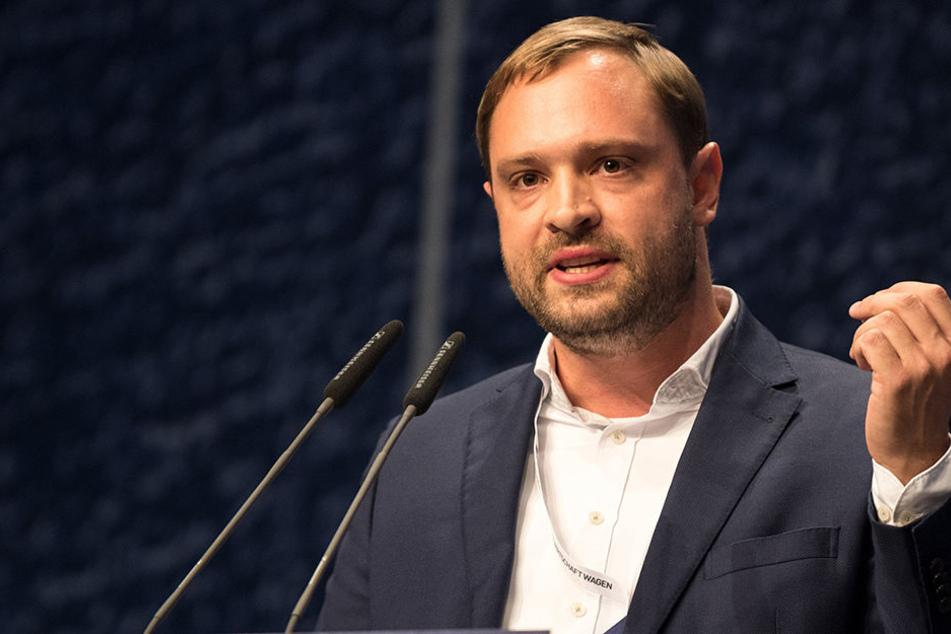 Alexander Dierks (30, CDU) ist auch Chef der Jungen Union in Sachsen.