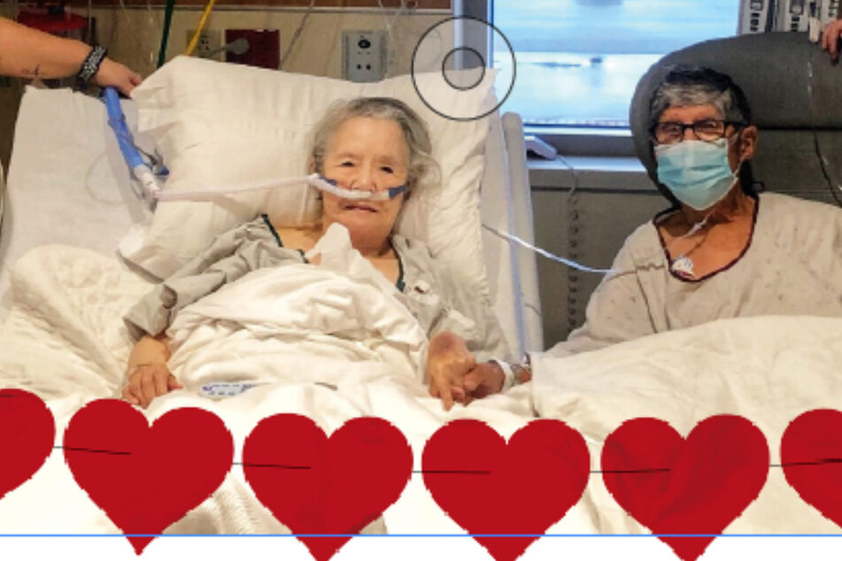 Elderly coronavirus patients have touching dinner date in hospital