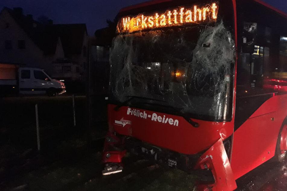 Nach eigenen Angaben hatte der Busfahrer wegen eines Hustenanfalls die Kontrolle über den Bus verloren.