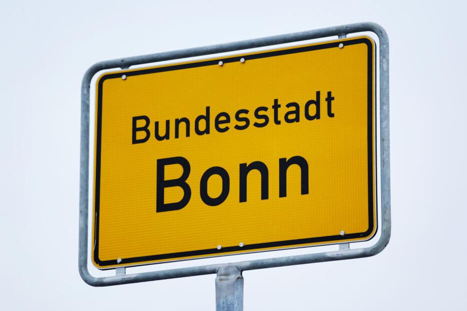 Ein Ortsschild der Stadt Bonn.