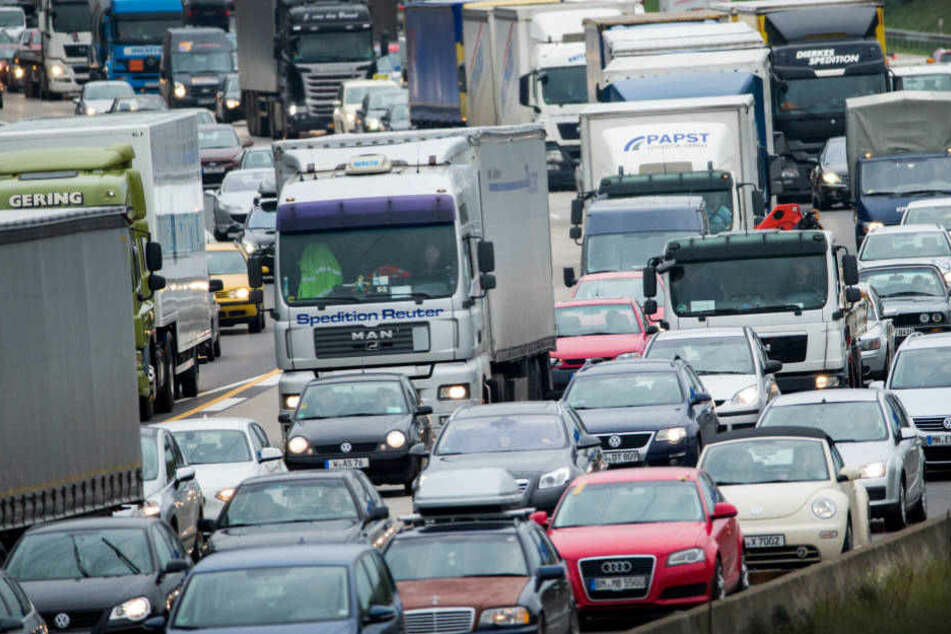 Auch die A3 bei Köln wird wieder zu einem Geduldsspiel für alle Autofahrer.