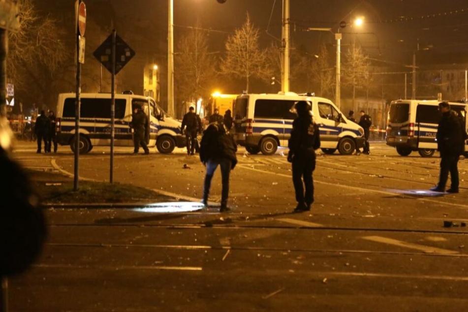 In der Silvesternacht ist es am Connewitzer Kreuz zu mehreren Straftaten gekommen, mehrere Personen wurden verletzt.