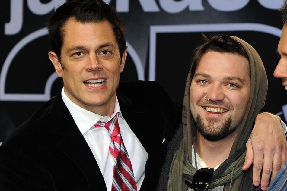"""Johnny Knoxville (48,li.) und Bam Margera (39,.) bei der Deutschlandpremiere von """"Jackass 3D"""" 2010. (Archivbild)"""