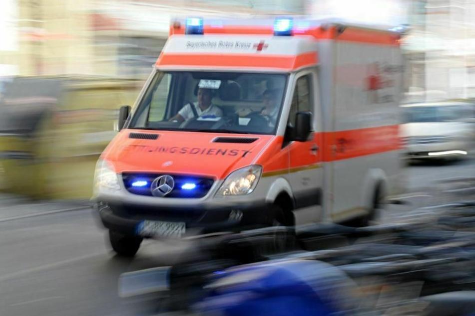 Die Verletzte kam ins Krankenhaus. (Symbolbild)