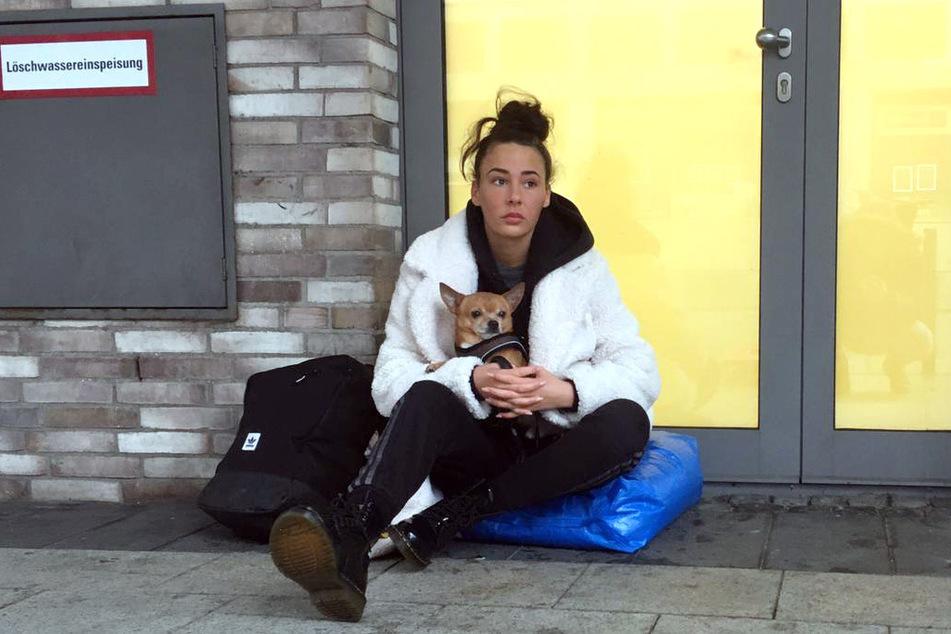 """Alessia Herren (19) sollte bei der RTLZwei-Show """"Prominent und obdachlos"""" 72 Stunden auf der Straße verbringen - zu viel für die Tochter von Willi Herren (45)."""
