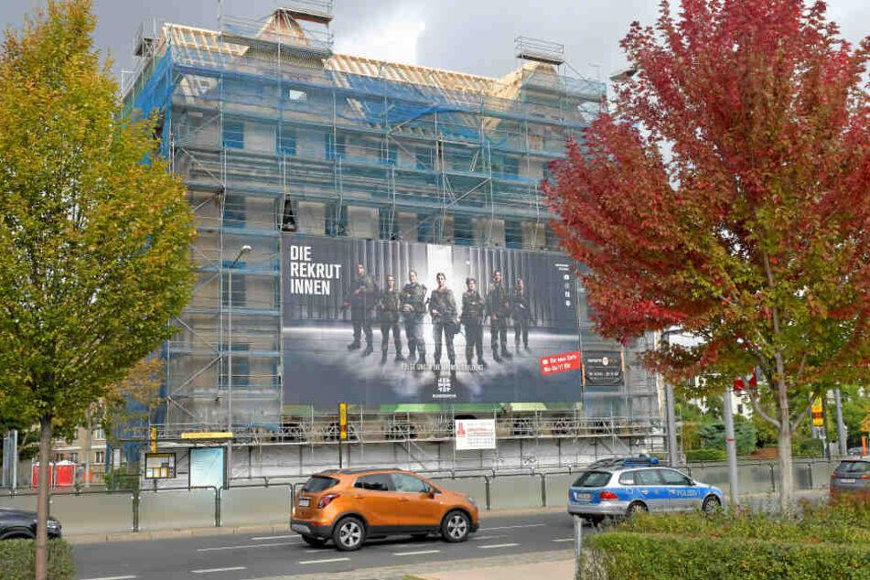 Die wechselnde Werbung ist die auffälligste Veränderung am Erlwein-Haus. Im Inneren ist aber schon viel passiert.