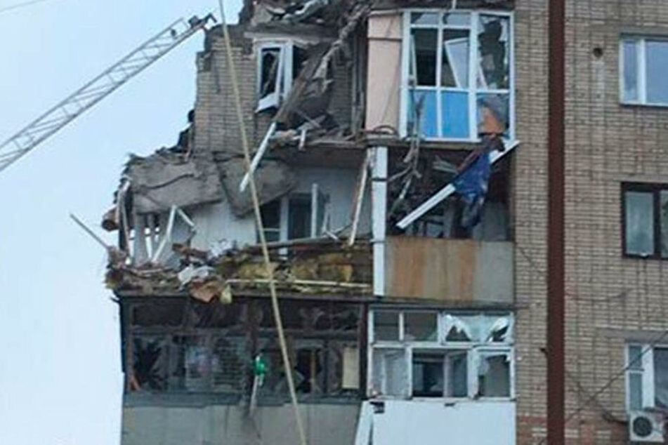 Die Explosion zerstörte das Wohnhaus an der Seite.