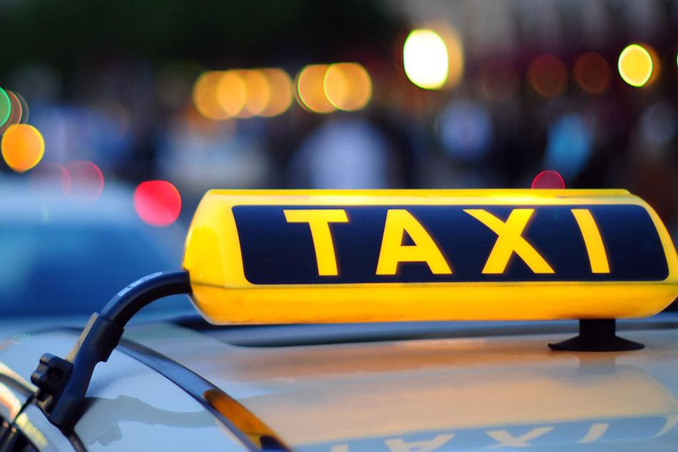 In Mülsen wurde im Sommer ein Taxifahrer angegriffen und beraubt. (Symbolbild)
