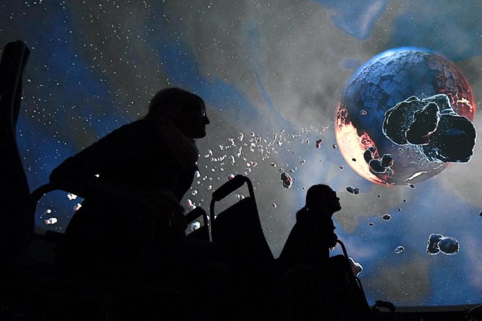 2018 soll das Planetarium mit neuer Technik glänzen.