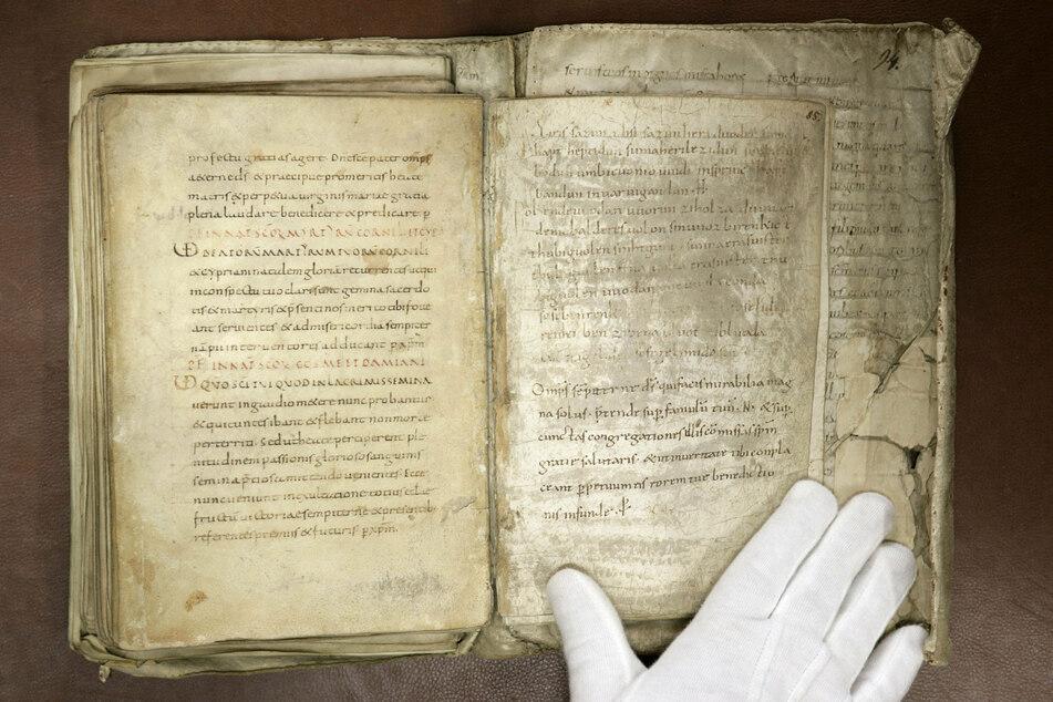 """Die """"Merseburger Zaubersprüche"""" wurden vor mehr als 1000 Jahren von einem Mönch aufgeschrieben."""
