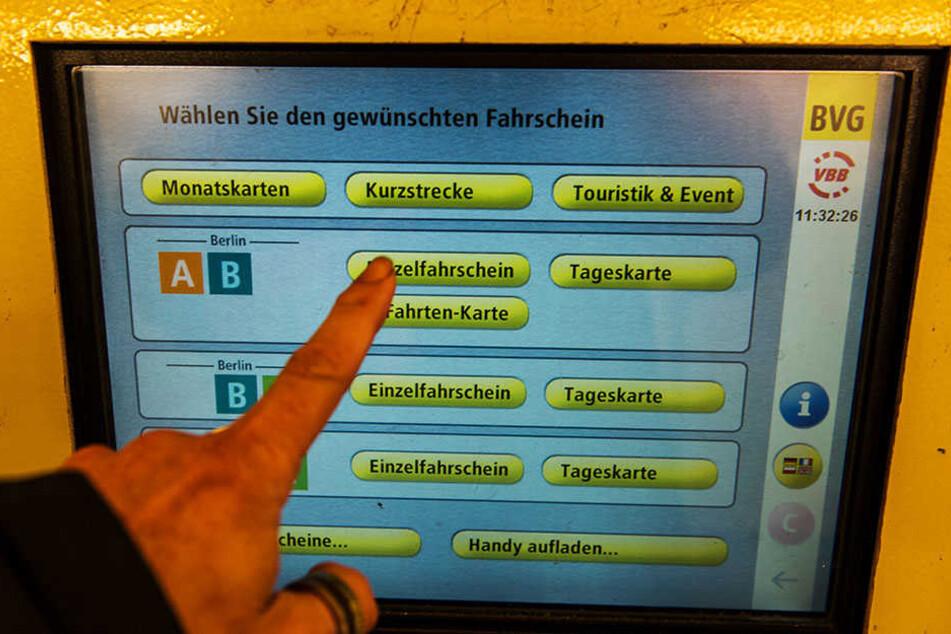 Wer kein Ticket besitzt, muss 60 Euro zahlen. (Symbolbild)