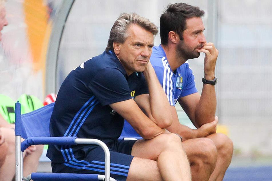 Horst Steffen (l.) und sein Assistent Sreto Ristic sahen in Jena eine umkämpfte Partie. Ab sofort liegt der Fokus aber auf dem Spiel gegen die großen Bayern.