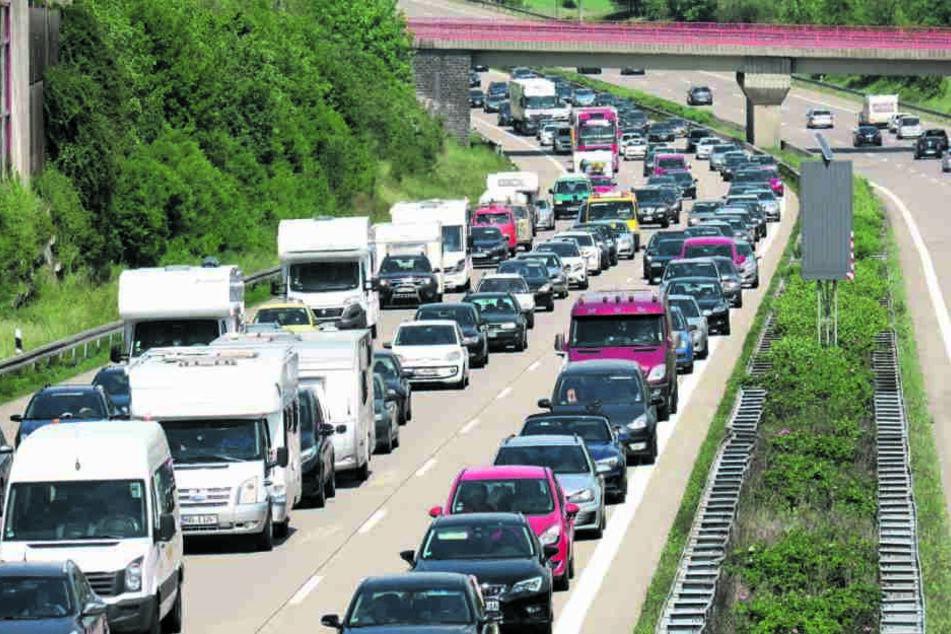 Staufalle Autobahn: Der ADAC warnt  zu Pfingsten vor allem vor Problemen rund um Chemnitz.