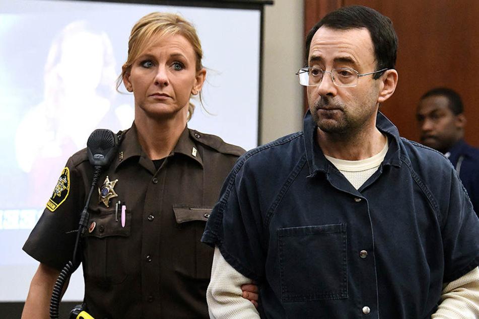 Larry Nassar (54) wird den Rest seines Lebens hinter Gittern verbringen müssen.