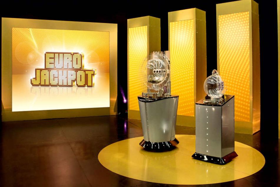Die Ziehung des Eurojackpots findet jeden Freitag, 21 Uhr statt.