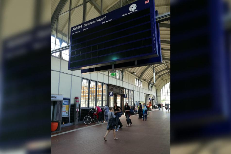 Erst am Mittwoch waren am Lübecker Bahnhof alle Anzeigen ausgefallen.
