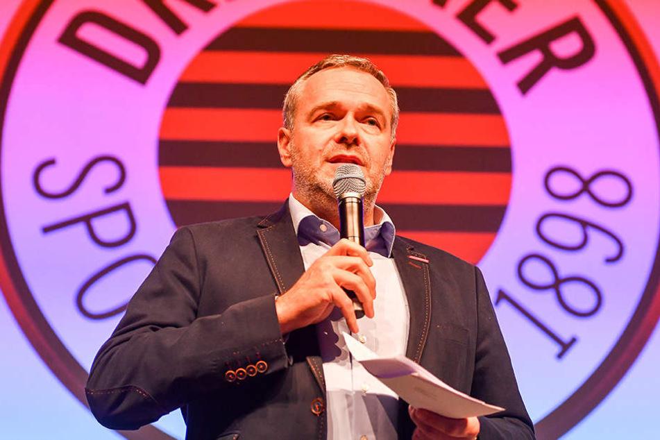 Vorstands-Chef Jörg Dittrich bei seiner Rede zur Team-Präsentation im Kurländer Palais