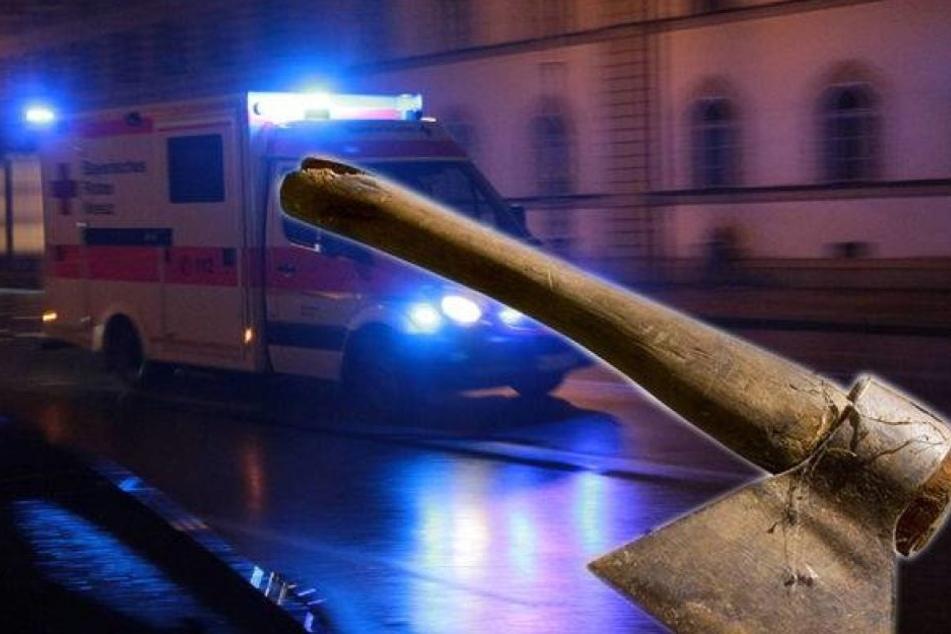 Der Mann ging auf einen 33-Jährigen los und verletzte ihn mit einem Beil (Symbolfoto).