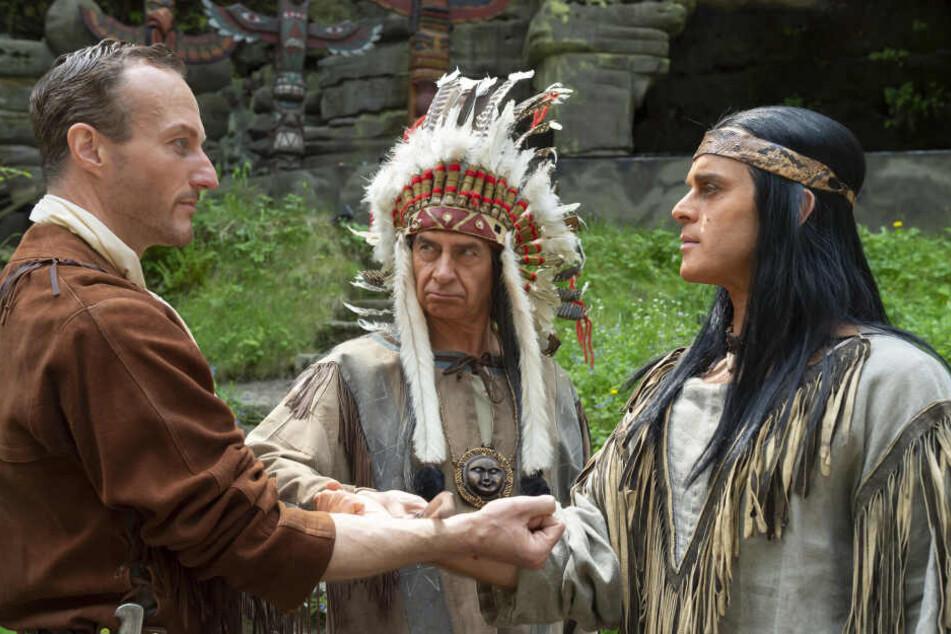 Holger Uwe Thews (li.) und Olaf Hoerbe geben in Rathen die Blutsbrüder Old Shatterhand und Winnetou.