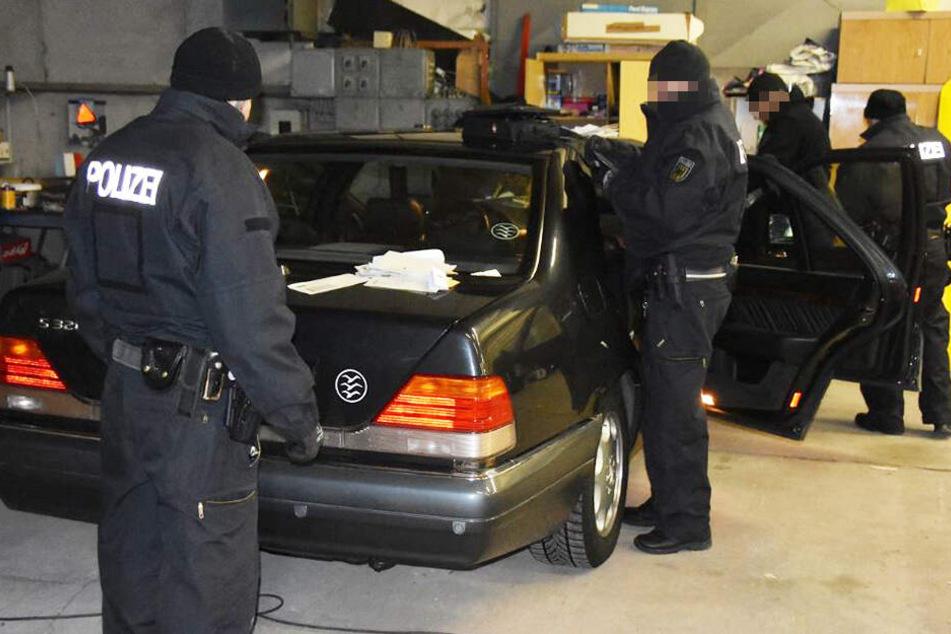 Die Bundespolizisten durchsuchten mehrere Objekte.