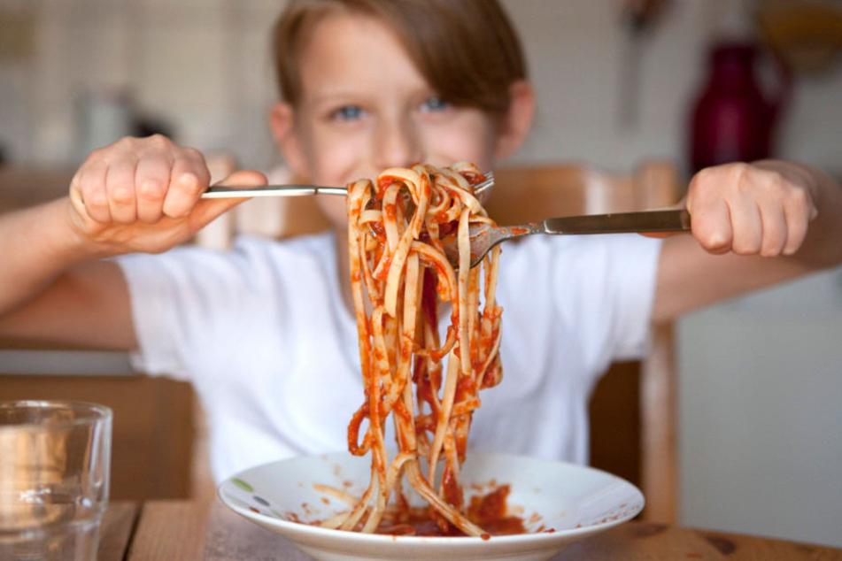 Weil sich viele Gäste gestört fühlten, dürfen Abends keine Kinder mehr ins Restaurant. (Symbolbild)