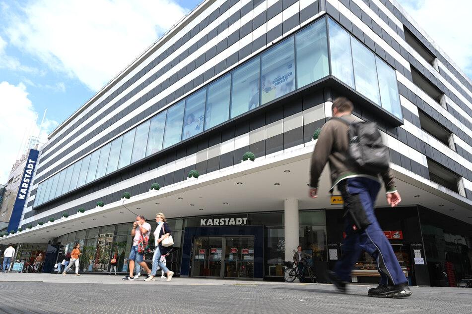 Nun also doch: Karstadt bleibt der Frankfurter Zeil erhalten