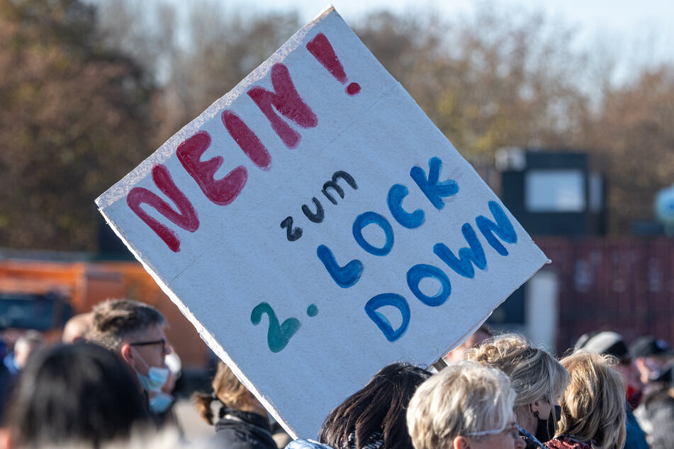 """Die Stadt Duisburg hat eine """"Querdenken""""-Demo verboten. (Symbolbild)"""