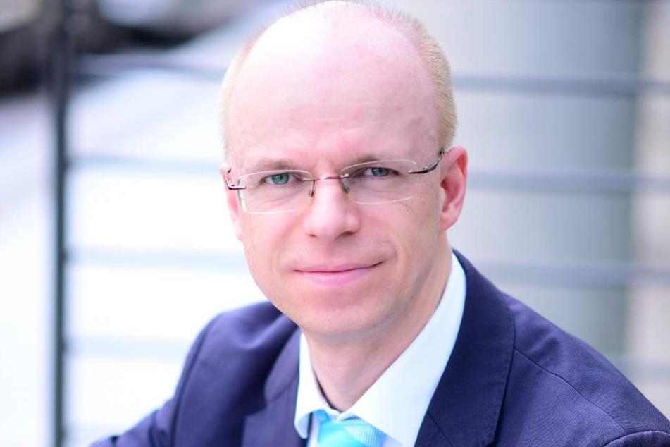 Leipzigs Schulamtsleiter Peter Hirschmann (39) investiert in die Digitalisierung der Schulen.