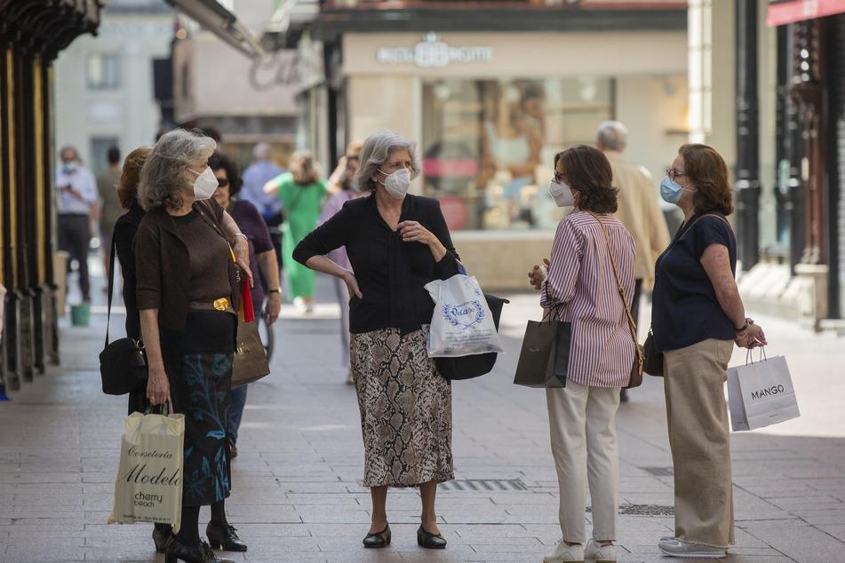 Auf einigen von Helgolands Straßen muss nun zeitweise eine Maske getragen werden.