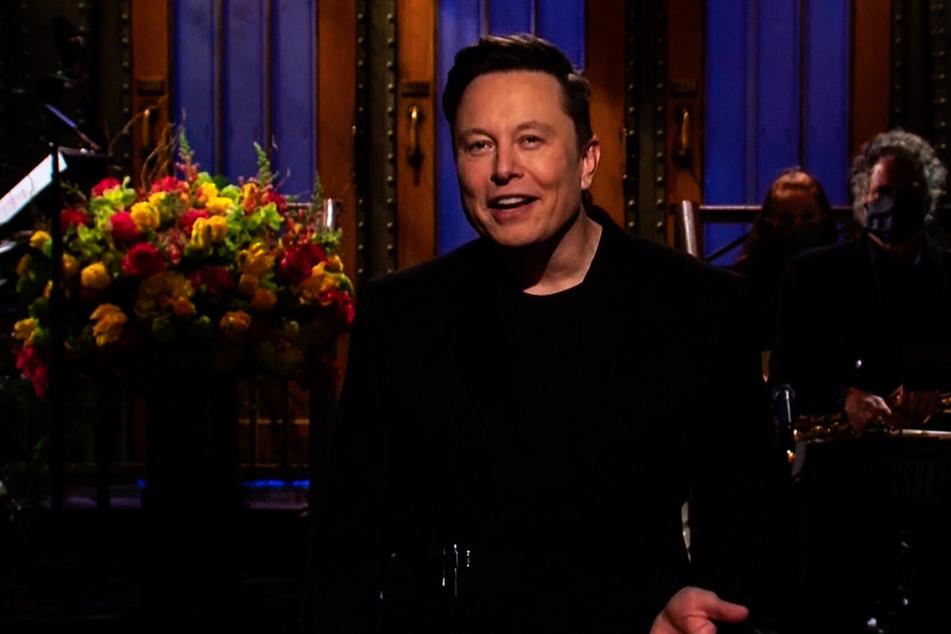 Elon Musk just spilled the singer's biggest secret!