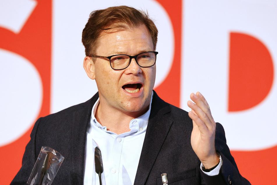 Carsten Schneider (45, SPD) ist seit 2017 Erster Parlamentarischer Geschäftsführer der SPD-Bundestagsfraktion.