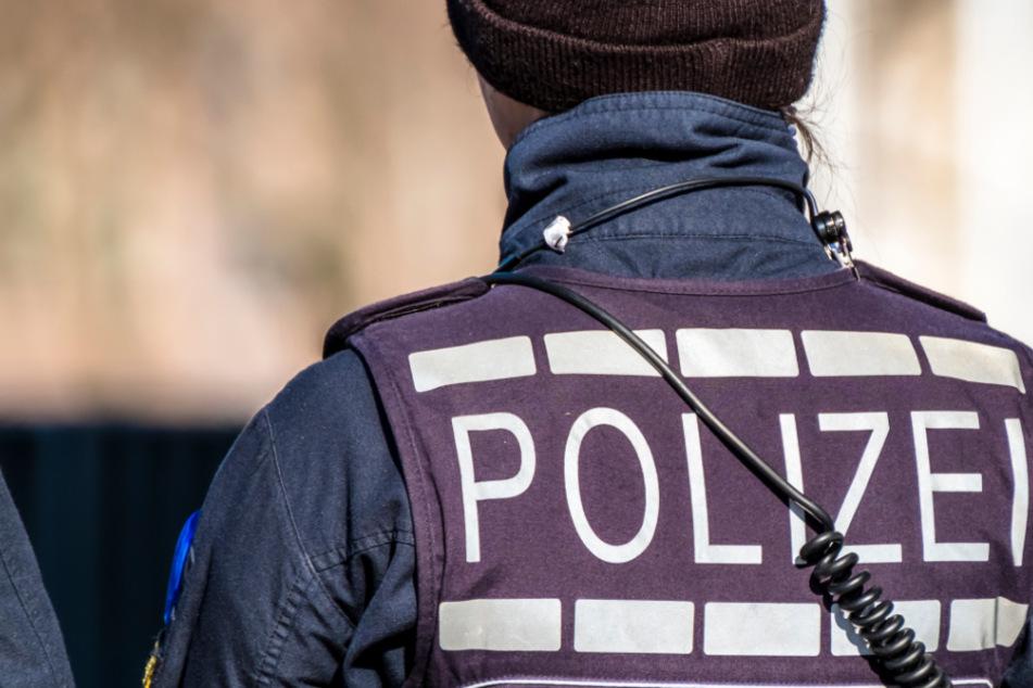 Mehrere Razzien in Sachsen-Anhalt: Polizei sichert Drogen und Pistolen