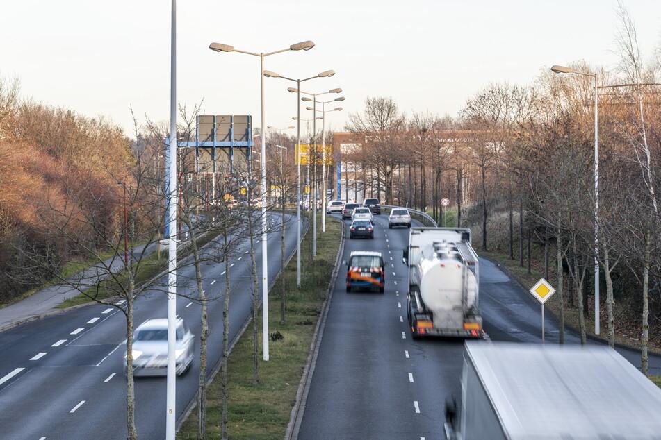 Auf dem Südring, zwischen Helbersdorfer Straße und Dr.-Salvador-Allende-Straße gilt ab sofort Tempo 50.