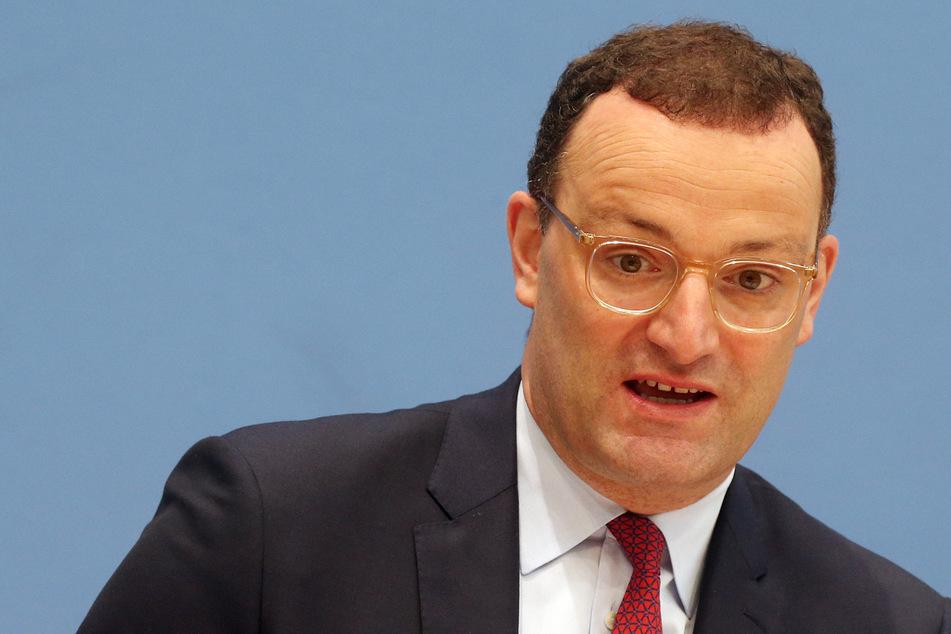 Gesundheitsminister Jens Spahn (41, CDU) warnt vor der sich ausbreitenden Delta-Variante des Coronavirus.