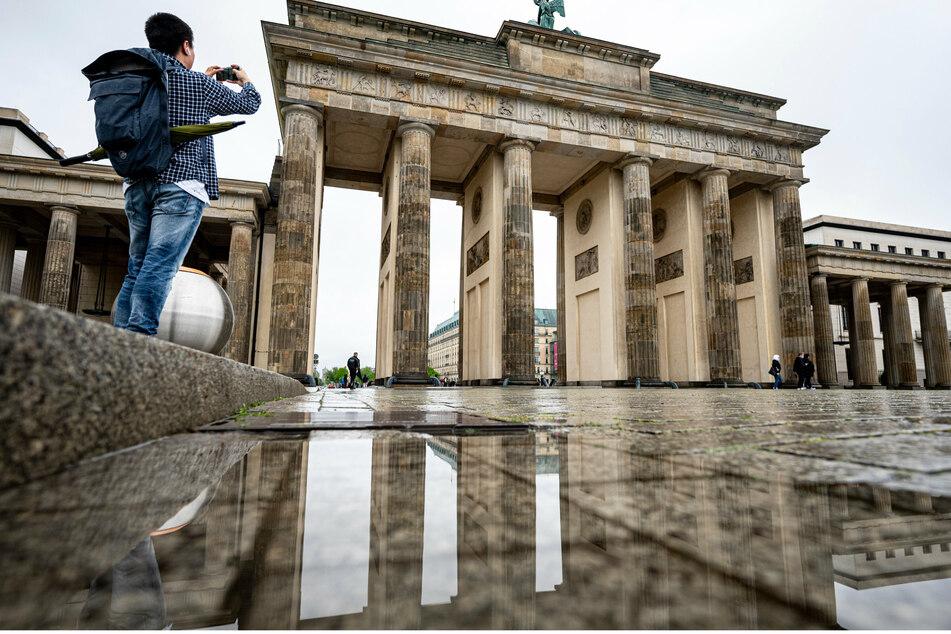 Dauerregen am Vatertag lässt Ausflüge in Berlin ins Wasser fallen