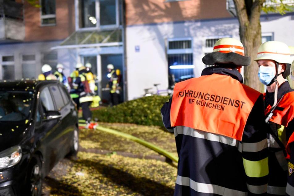 Dichter Rauch über Sendling: Ein Schwerverletzter bei Kellerbrand in Münchner Wohnhaus