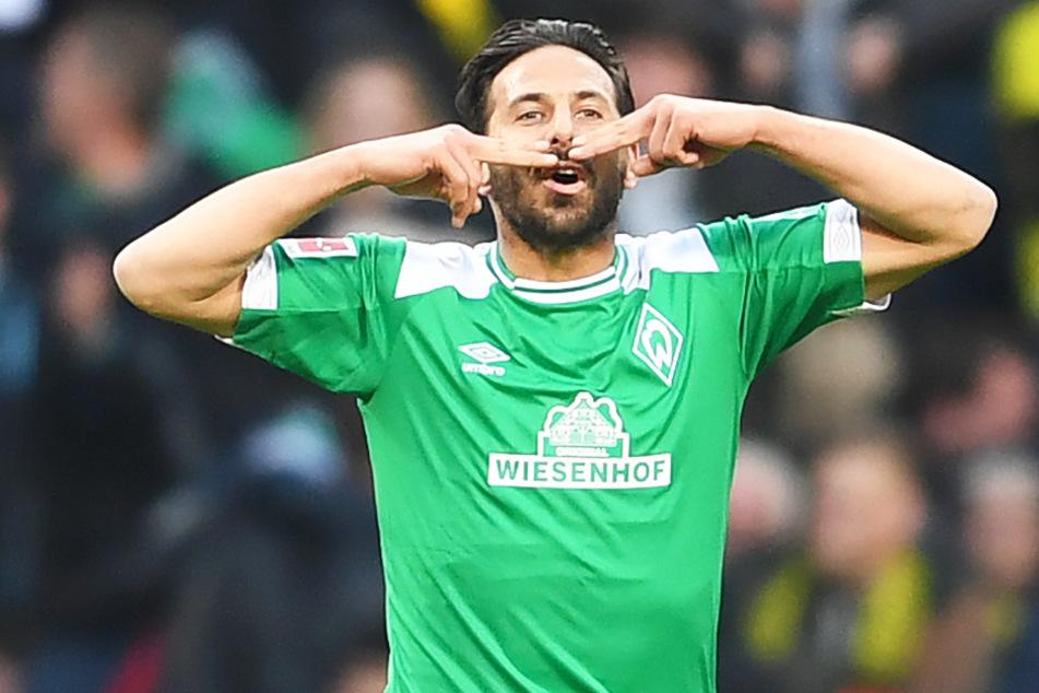 Claudio Pizarro (41) hat in der Bundesliga viel geleistet. Nun könnte seine ruhmreiche Karriere, in der er unter anderem die Champions League gewann und sechs deutsche Meisterschaften feierte, am heutigen Samstag mit einem Abstieg zu Ende gehen.