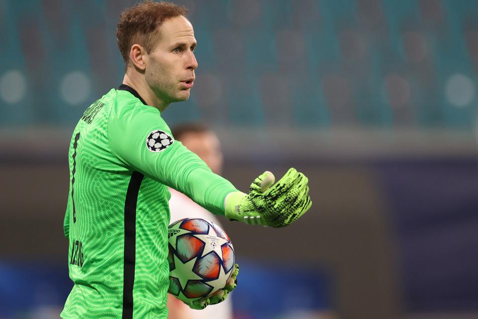 Nur die Ruhe! Péter Gulácsi (30) steht scheinbar auf dem Wunschzettel des BVB. Doch wechselt er wirklich von RB Leipzig zum direkten Konkurrenten?