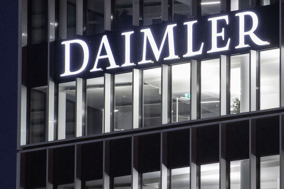 Trotz steigender Infektionszahlen: Noch läuft der Markt für den Autobauer Daimler.