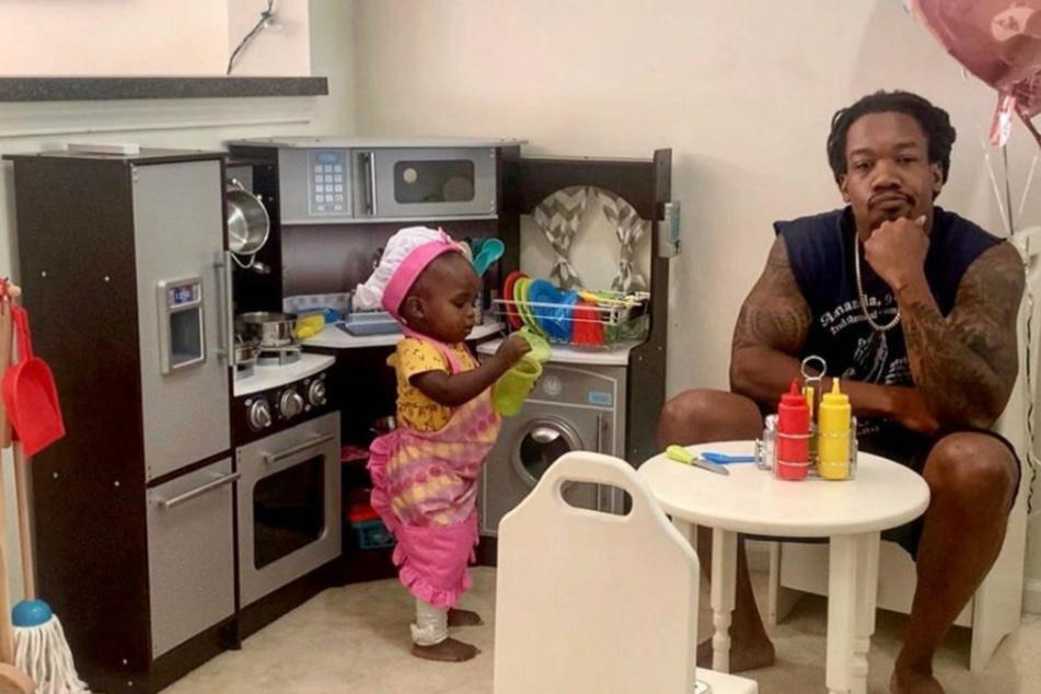 Vater besucht Restaurant seiner Tochter: Seine ehrliche Kritik schlägt hohe Wellen