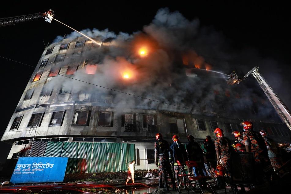 Am Donnerstag stand die Fabrik lichterloh in Flammen.