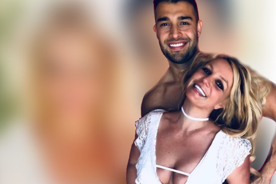 Britney Spears (r.) and Sam Asghari (l.) announced their engagement just two days before the singer's Instagram account vanished.