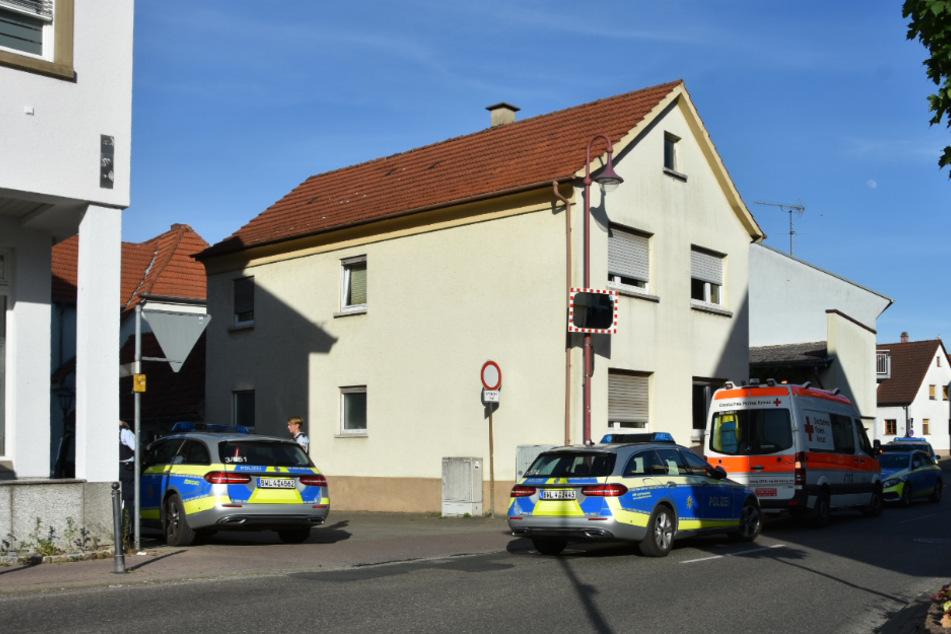 Bewaffneter Raubüberfall: Polizei fahndet nach Täter