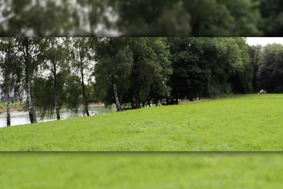 Auf dieser Wiese am Dortmund-Ems-Kanal stieß ein Mann auf das Zelt (rechts) der unbekannten Frau.