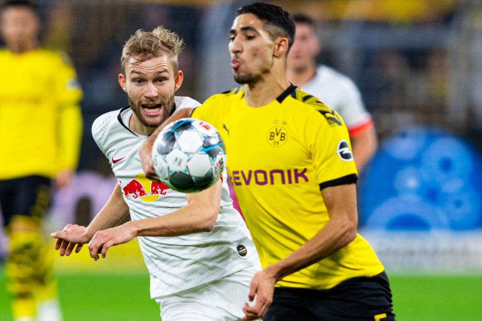 Achraf Hakimi (r.) wird Borussia Dortmund wohl verlassen. Zu Real Madrid kehrt er aber offenbar auch nicht zurück.