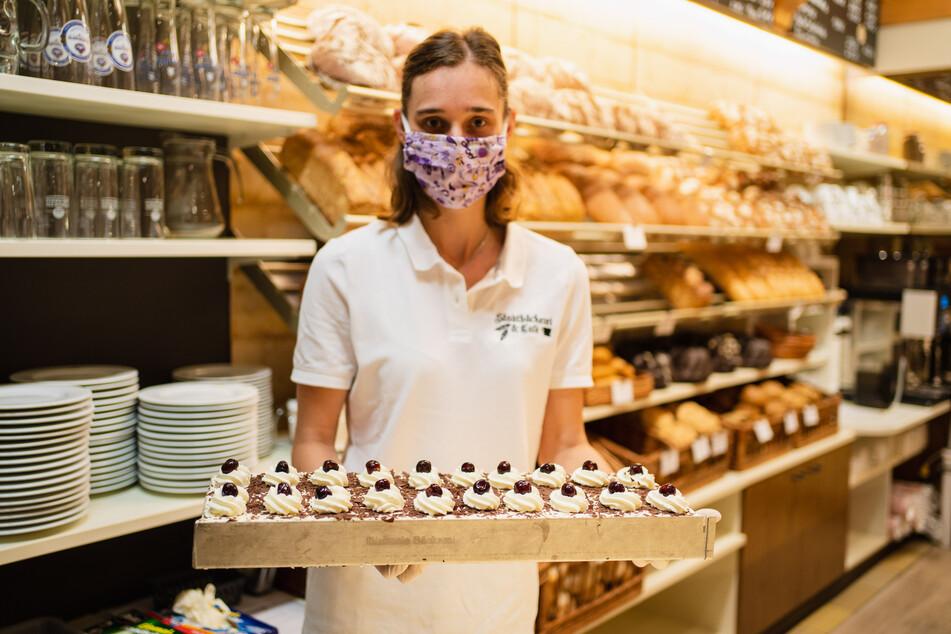 in Nordrhein-Westfalen arbeitet jeder achte abhängig Beschäftigte mindestens einmal im Monat auch sonntags oder an Feiertagen.