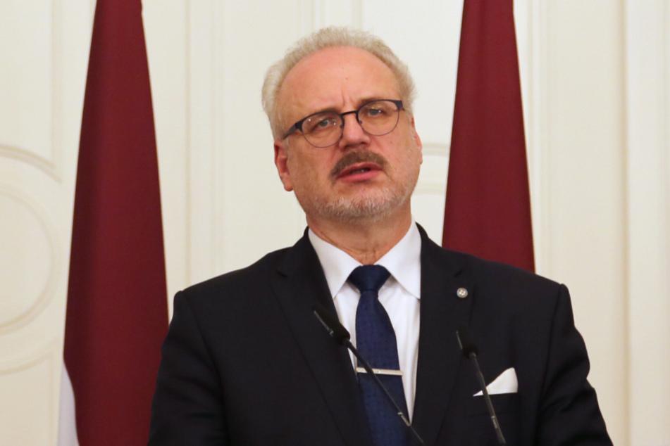 Egils Levits (65), Präsident von Lettland, kämpft mit neuen hohen Corona-Zahlen.