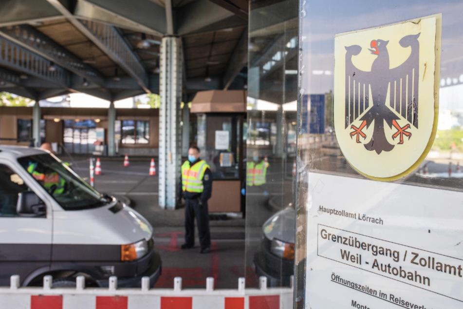 Land schränkt kleinen Grenzverkehr für Touristen und Shopper ein