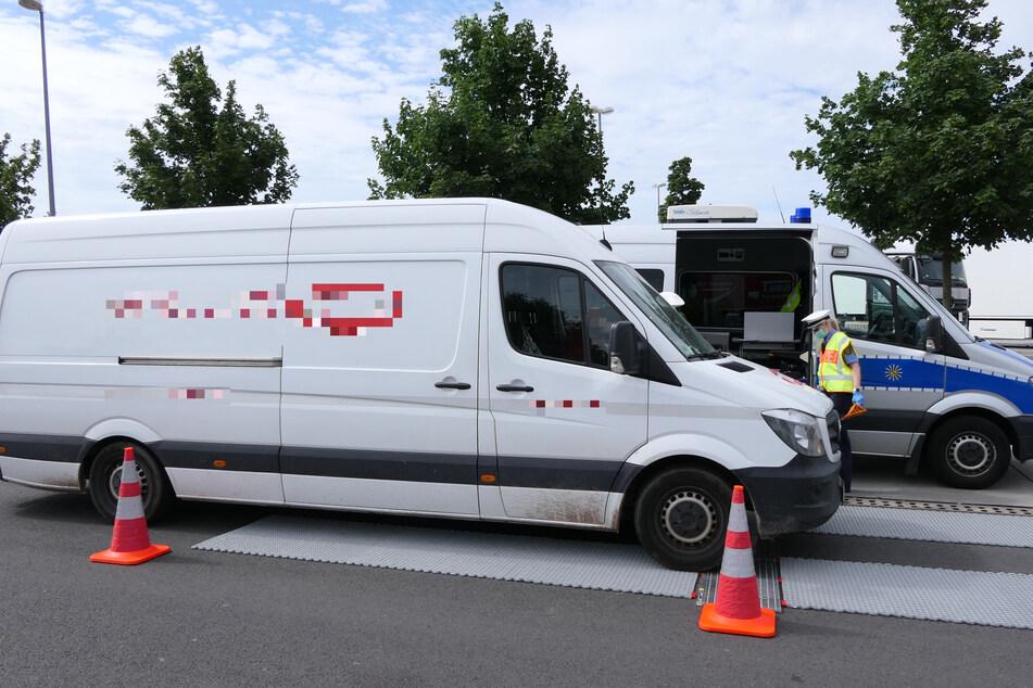 Die Fahrzeuge wurden unter anderem gewogen, um eine Überladung festzustellen.